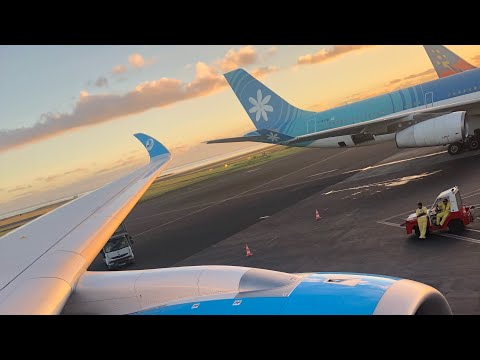 FRENCH BEE 710 APPROACH AND LANDING AT TAHITI UNDER A BEAUTIFUL SUNRISE | AIRBUS A350 XWB