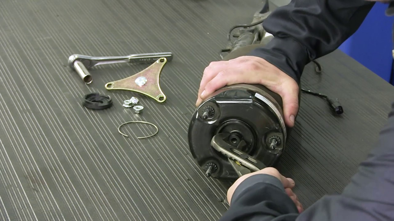 Replacing the Front Air Spring on a 06-13 Mercedes-Benz® R