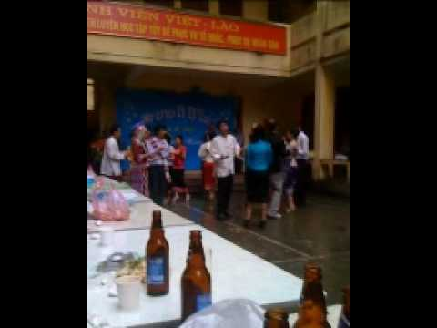 dai hoc mo dia chat va tai chinh trong ngay tet lao 2553 (3)