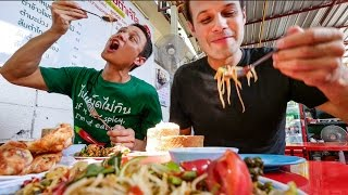 connectYoutube - Thai Street Food in Bangkok with The Food Ranger - AUTHENTIC Local Tour! กินอาหารไทย4ภาคในหนึ่งวัน