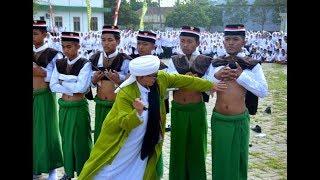 Download Video Viral!! Lora Taufiq Menebas Perut Santri Dengan Pedang Di Upacara Hari Santri (video amatir) MP3 3GP MP4