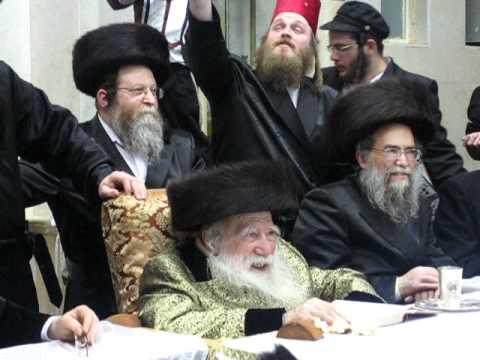 "Erlau Purim Tish 5771 - פורים טיש בחצר ערלוי תשע""א (PART TWO)"