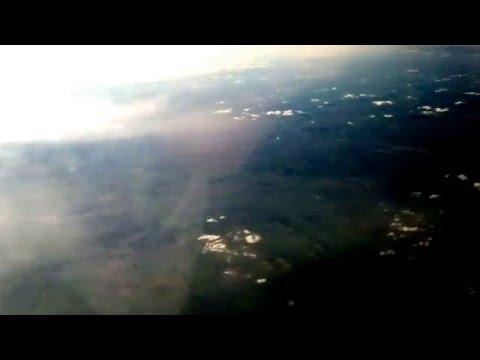 Volando en avión sobre Rosario. Rumbo a Iguazú. Argentina
