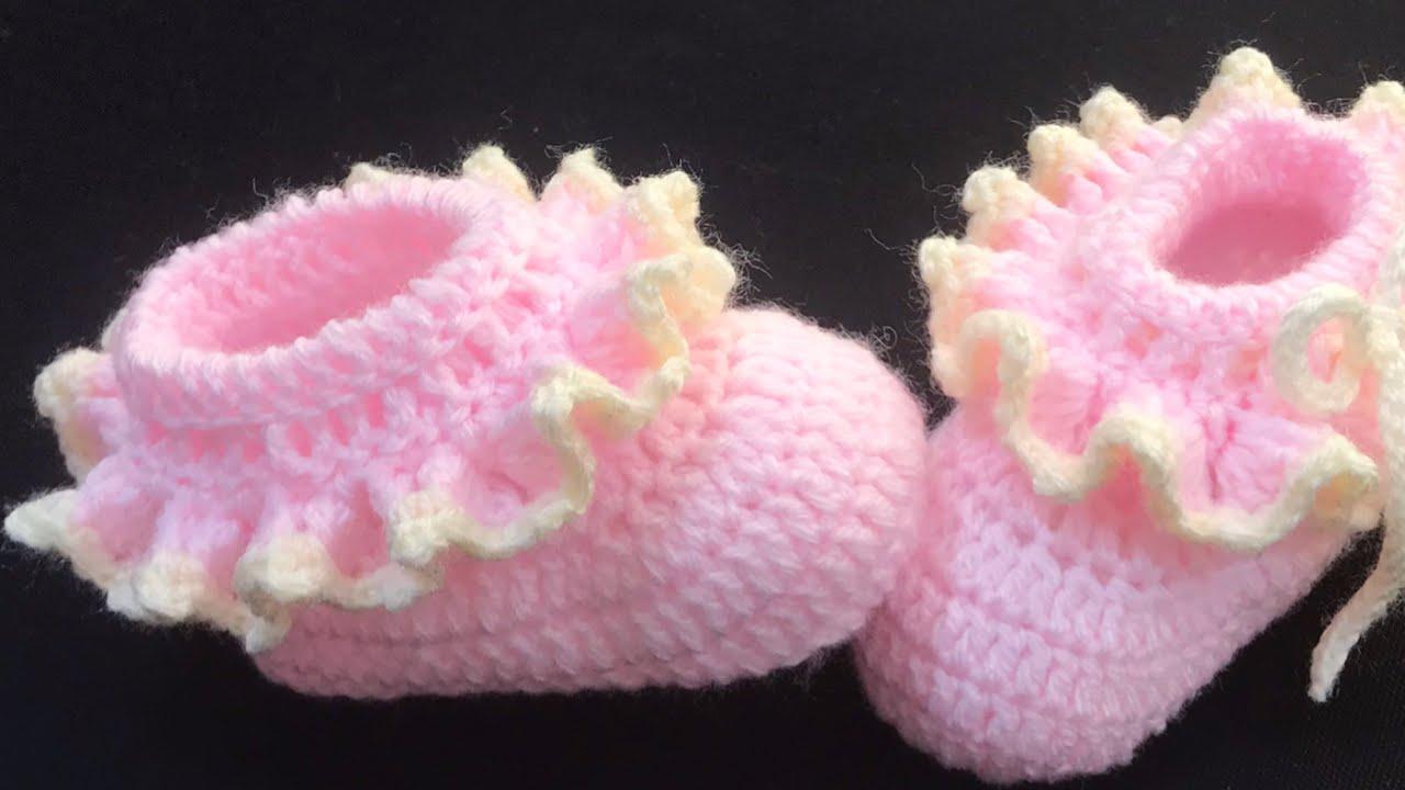 Crochet baby booties or crochet baby