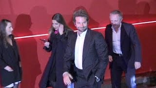 Baixar Bradley Cooper, Hailey Baldwin and more at the L Oreal Red Obsession Party in Paris