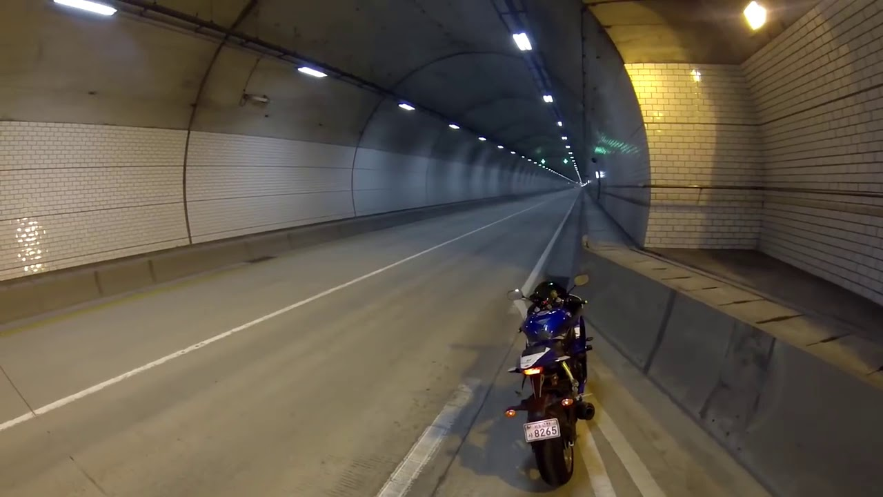 BMW S1000 RR İN THE TUNNEL C1H4N D3R3
