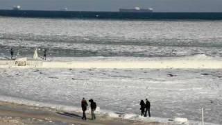 В Одессе замёрзло море !