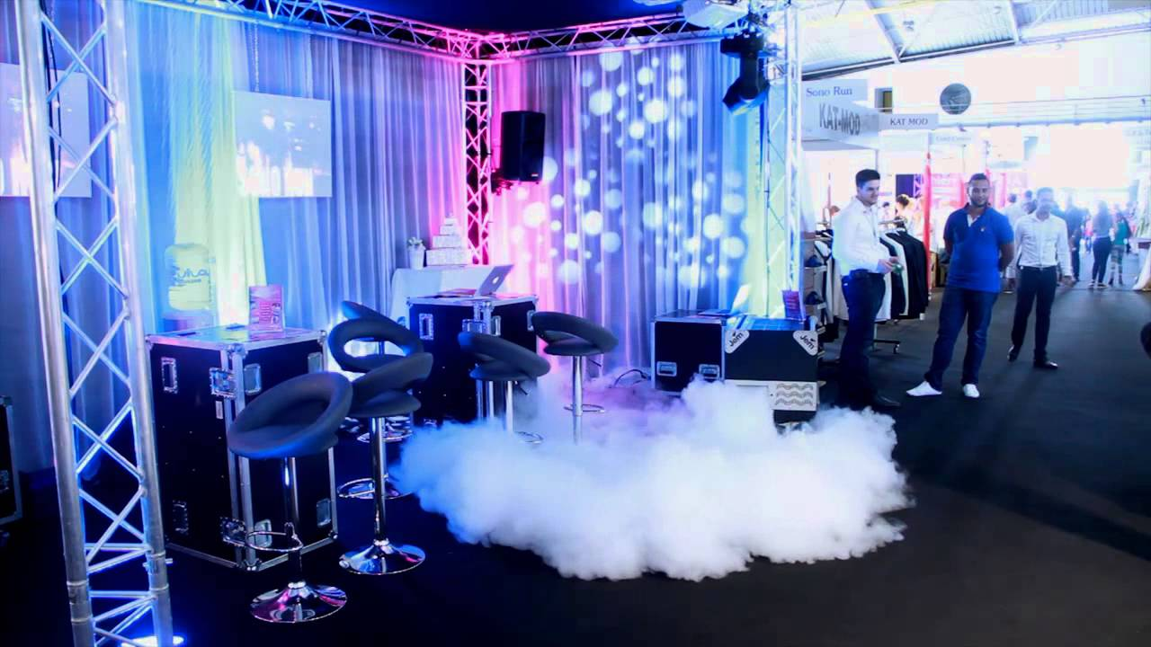 Stand du salon de mariage en novembre 2015 youtube for Salon stand