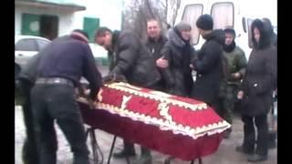 Похороны погибших ДЕТЕЙ в Углегорске(Погибшему мальчику вот-вот должно было исполнится 8 лет..., 2015-02-03T12:31:55.000Z)