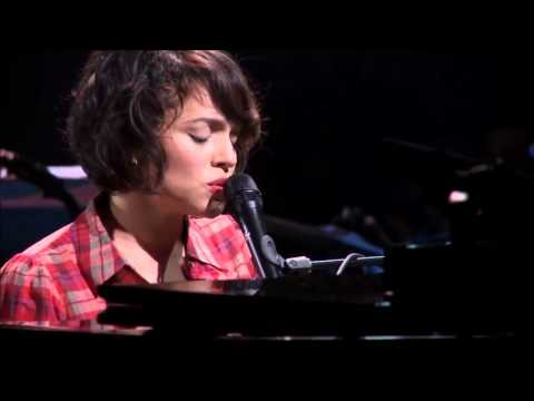 Norah Jones -  Back To Manhattan -  Live at LePoisonRouge NYC 2009