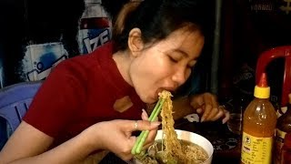 Awesome Dinner Noodle Soup Delicious | Pretty Girl Eating Noodle Soup Delicious | Natural Life