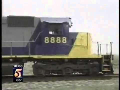 CSX 8888 - incidente que inspirou o filme Incontrolável.flv