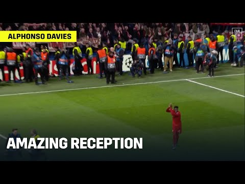 Alphonso Davies Gets An Amazing Reception From FC Bayern Supporters