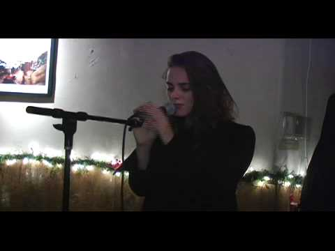 Sophie Auster and Barry Reynolds Perform at the PEN Edmont Holiday Benefit