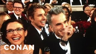 Dax Shepard Photobombed Daniel Day-Lewis At The Golden Globes - CONAN on TBS