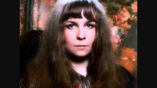 Watch Sandy Denny Bruton Town video