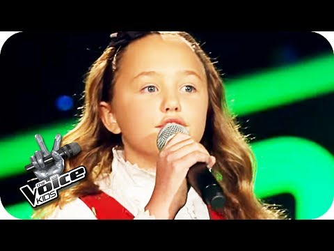 The Beatles - Blackbird (Zoé-Loes) | The Voice Kids 2017 (Germany) | Blind Auditions | SAT.1