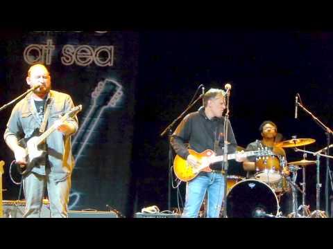 TOTALLY EPIC GUITAR DUEL!!!! Joe Bonamassa, Josh Smith & Kirk Fletcher
