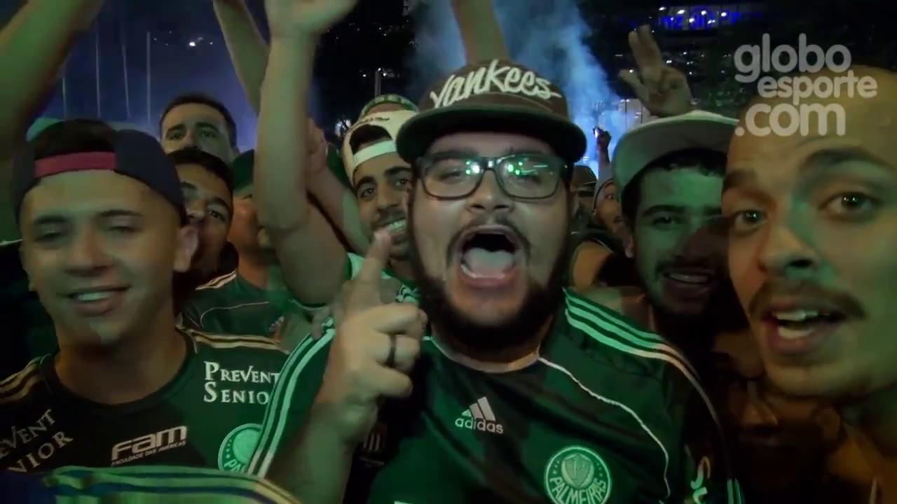 || Futebol || Palmeirenses comemoram título da Copa do Brasil na rua do Palestra Itália
