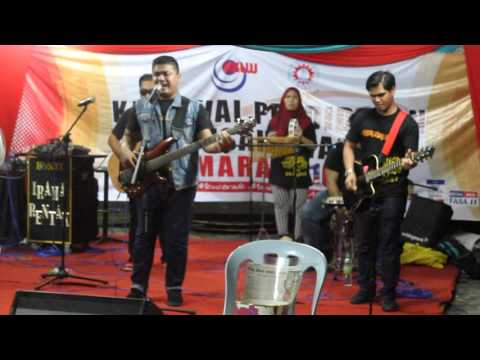 CALIPH BUSKERS PERFORM SHE