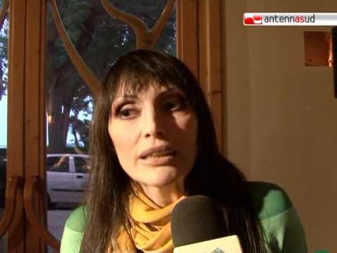 """TG 03.11.10 Anna Oxa, ritorno a Bari con """"Proxima"""""""