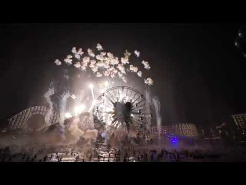 World of Color New Year's Eve Celebration Countdown (2017-2018) at Disney California Adventure