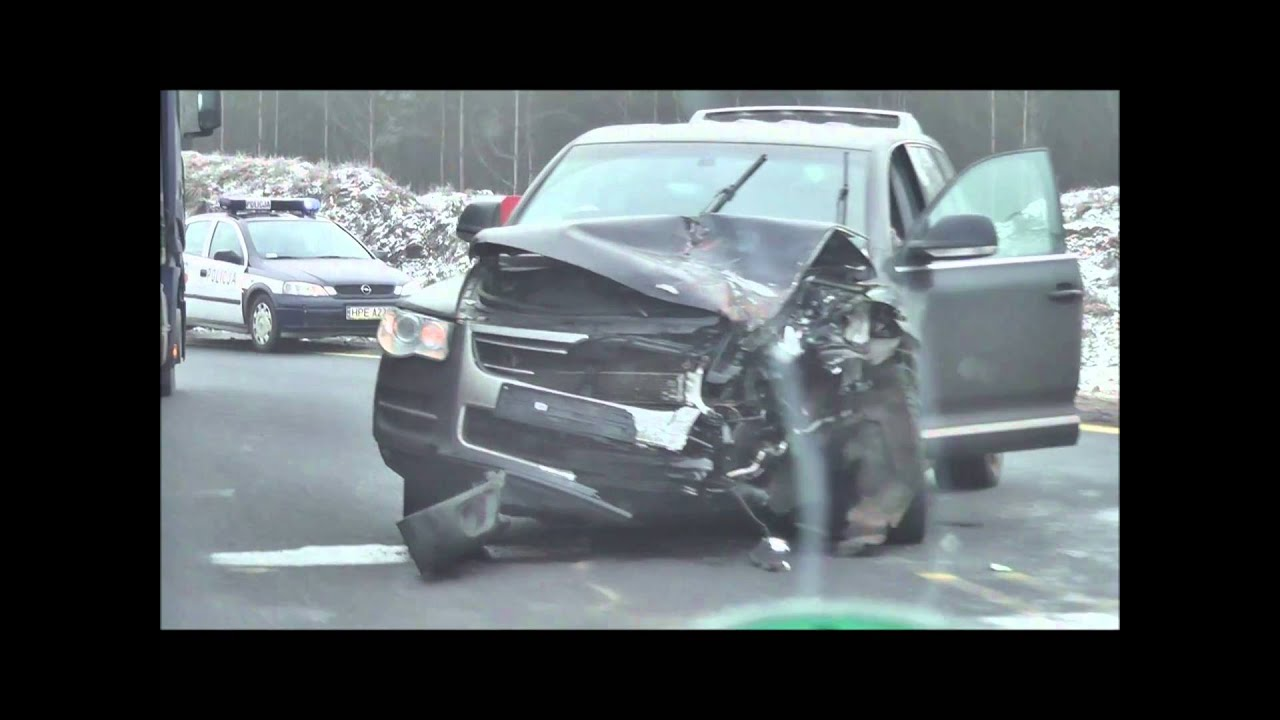 VW Touareg CRASH / UNFALL Totalschaden / Totaled Polen ...