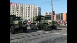 Парад Победы в Мурманске 2012.mp4(, 2012-05-26T05:19:35.000Z)