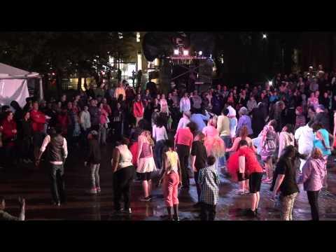 Le Grand Continental - Boston - Day 1 Show In Rain