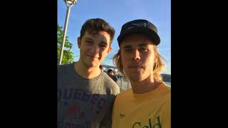 Justin bieber with lucky fans    pure gold t shirt    spotted out in New York