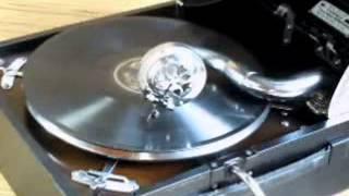 蓄音器は日本コロムビア No.G-208.