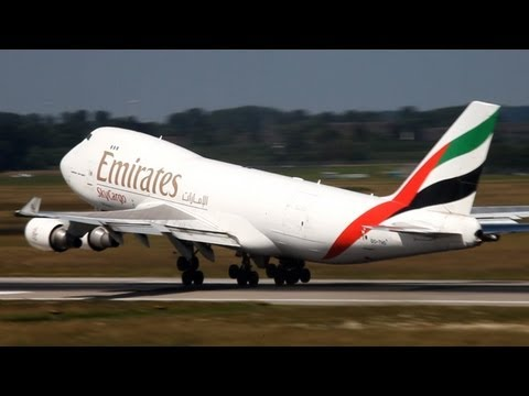 Unbelieveable Boeing 747-400 Very Early Rotation ! 600 Meter Take-Off Run Of A Boeing 747 (HD)