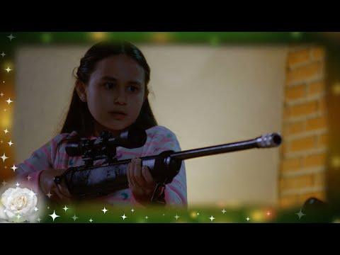 La Rosa de Guadalupe: Sagrario mata al papá de su mejor amiga | A la sombra del árbol de ciruelo