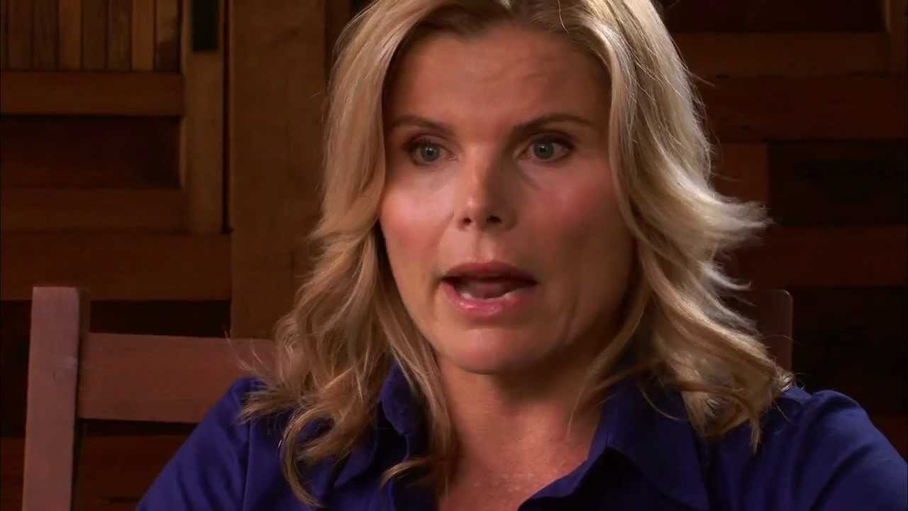 Running From Crazy: Official Trailer (Mariel Hemingway and Barbara Kopple)