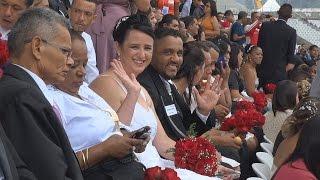 Массовая свадьба на футбольном стадионе в Сан-Паулу