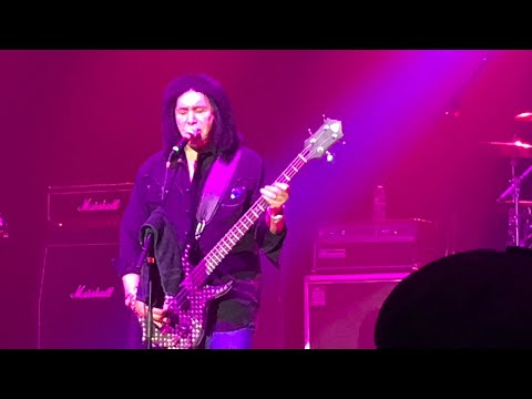 VIDEO: Gene Simmons hits Lynn Auditorium