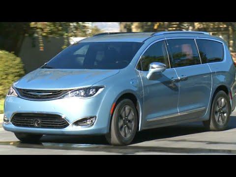 Chrysler S New Minivan Has A Built In Vacuum Cleaner