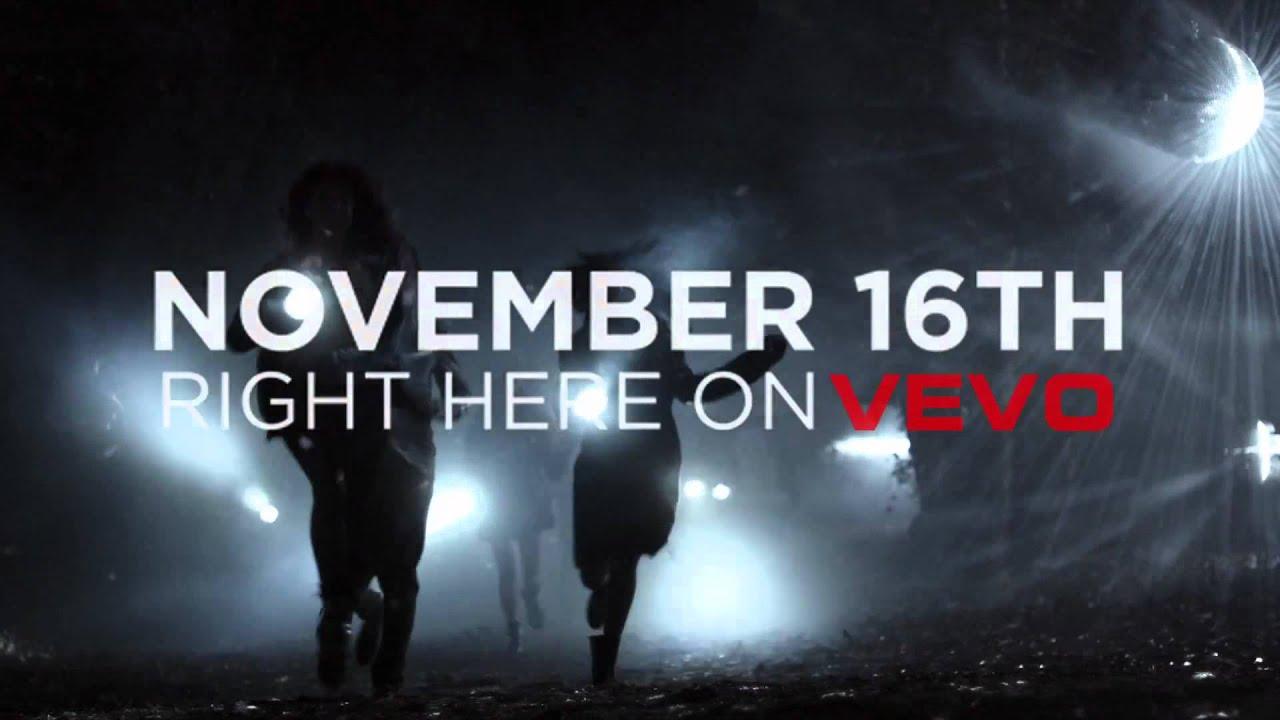 Download Selena Gomez & The Scene - Hit The Lights - Teaser 3