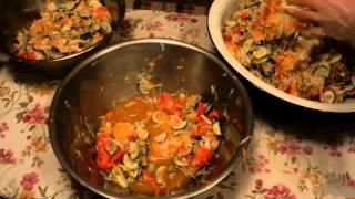 Чаламада. Закарпатський зимовий салат. Епізод перемішування компонентів.