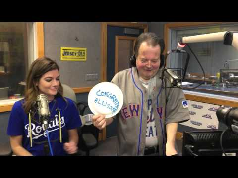 Traffic Reporter Bob Williams pays up on his Mets/Royals bet