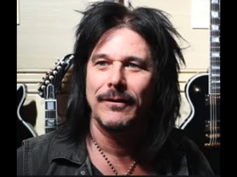Guns N' Roses Ex Guitarist Gilby Clarke On How He Got Fired & Izzy Stradlin