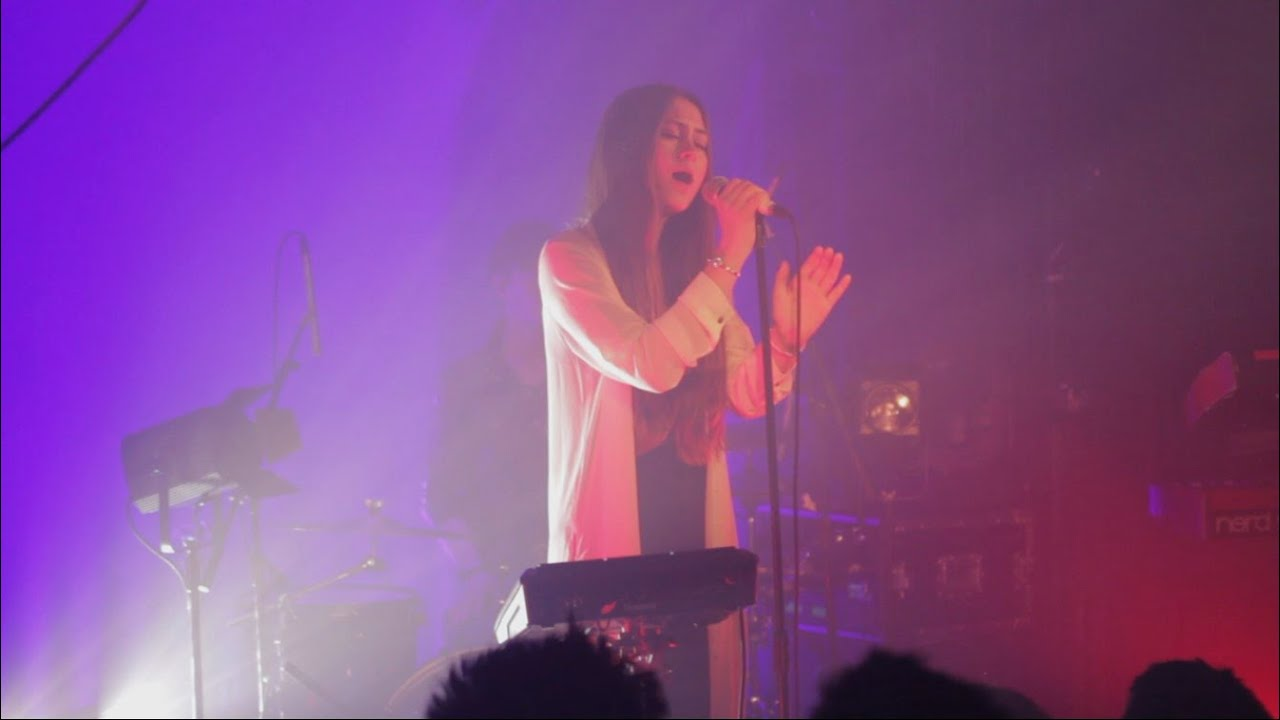 florence-the-machine-never-let-me-go-cover-by-jasmine-thompson-live-jasmine-thompson