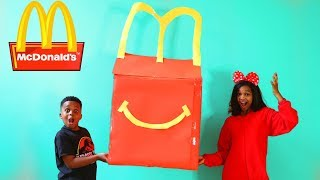 Shiloh McDonald's HAPPY MEAL vs McDonald's SURPRISE MEAL! - Shasha and Shiloh - Onyx Kids