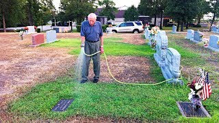 Старик каждый день поливал траву на могиле жены, но потом увидел плачущую девушку и сделал это...