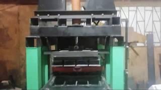 Вибропресс по производ. кирпичей автоматический /Vibropress for the production of bricks automatic