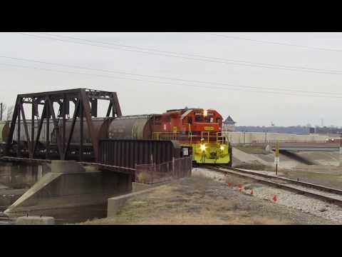 TP&W Grain Empties at East Peoria, IL - Dec. 21, 2017