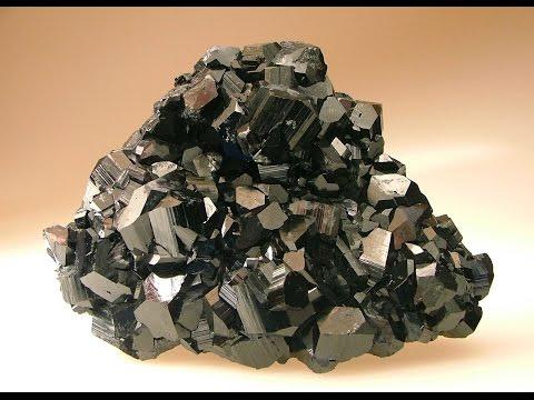 Black Tourmaline: Benefits & Metaphysical Properties