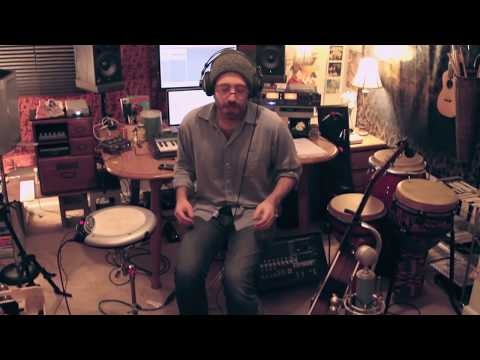 Elijah Aaron covers Paul Simon's Diamonds on the Soles of her Shoes - LIVE LOOPING