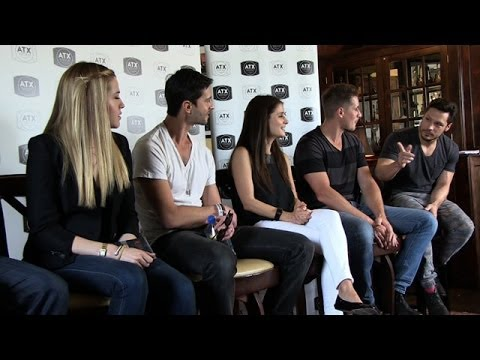 """Roswell""  Reunion: What It's Been Like to See Each Other Again? 