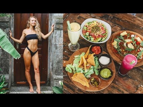 WHAT I EAT IN A DAY + Vegan Food in BALI